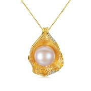 Pearl Pendant Necklace Shell Design in 925 Sterling Silver