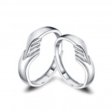 Hug Couple Rings in Sterling Silver