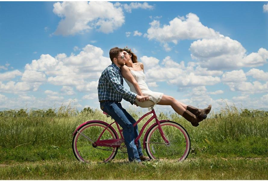 How To Maintain A Romantic Relationship With Your Husband